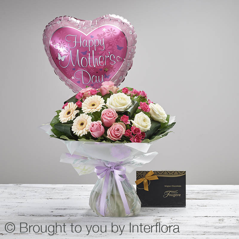 gift set with flowers,chocolates and balloon for mother's day